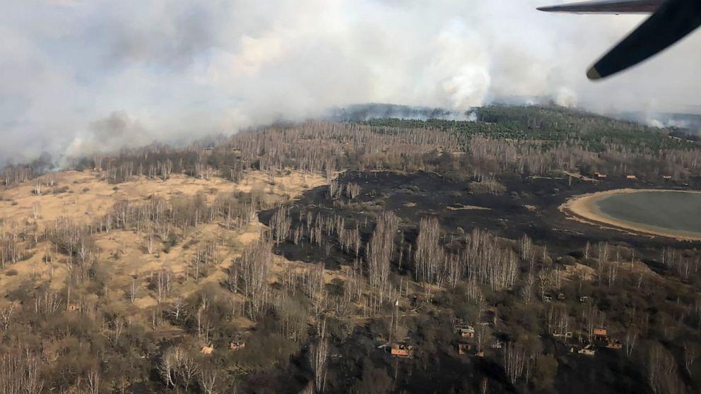 Continua a bruciare la Foresta Rossa e le fiamme minacciano Chernobyl