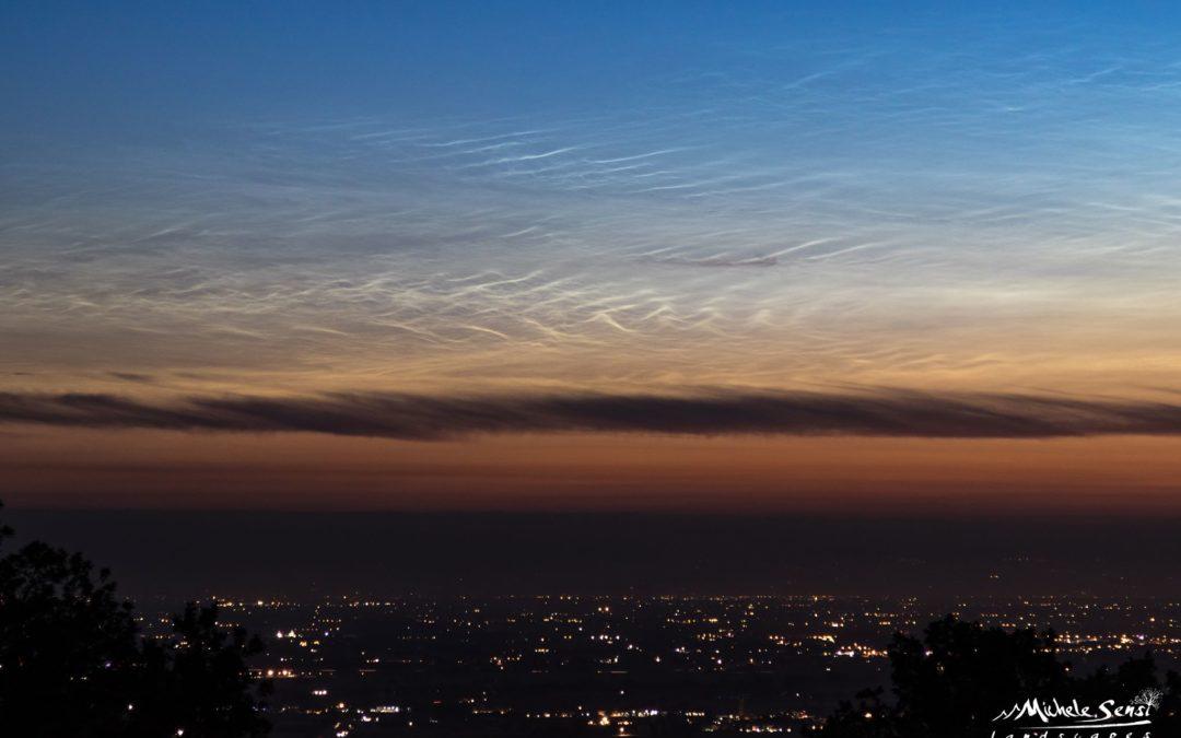 Catturate delle nubi nottilucenti nel nostro cielo